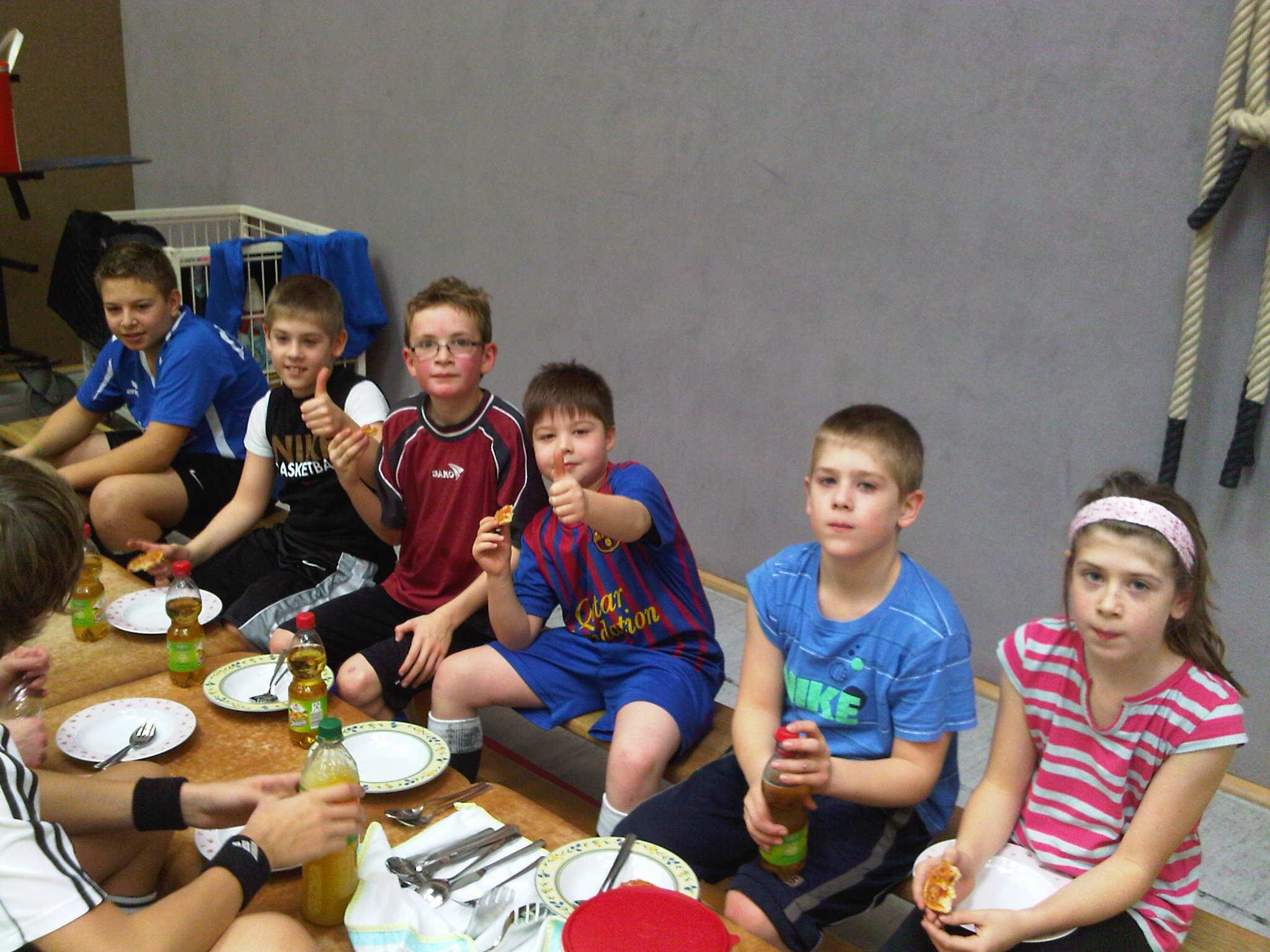 111210-4-SamstagsTraining-Mittagessen