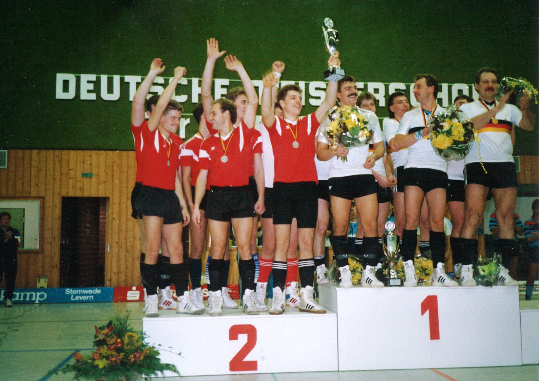 1989 5er DM - auf dem Siegertreppchen mit dem 1. und 2. Platz